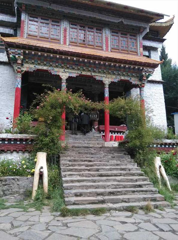 红教宁玛派寺庙