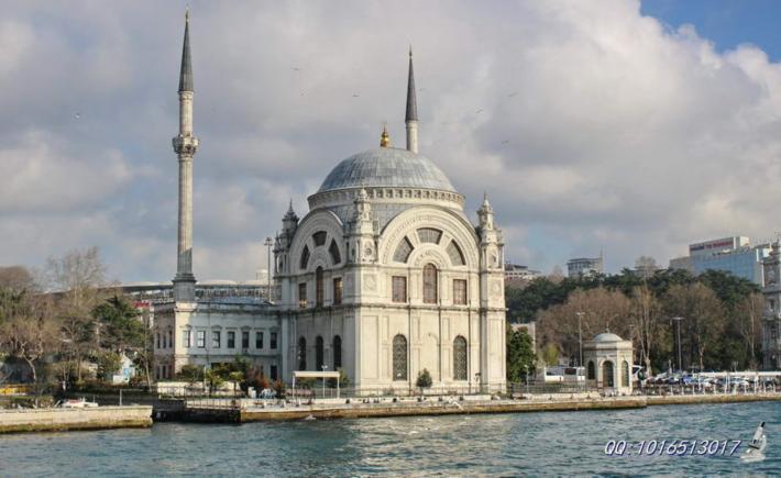 多尔玛巴切清真寺
