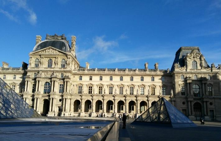 巴黎卢浮宫