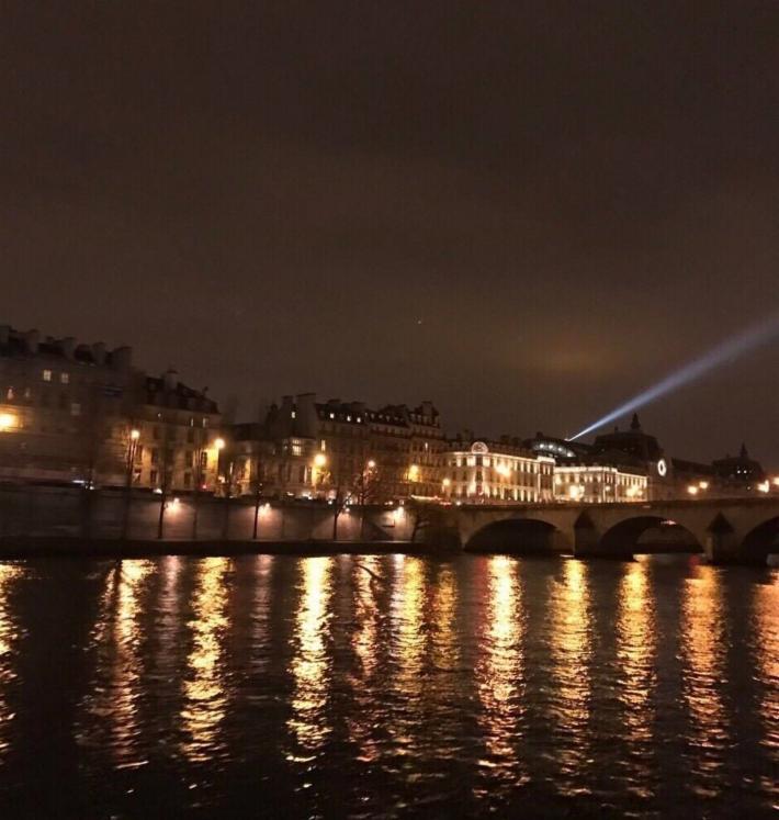 巴黎塞纳河畔