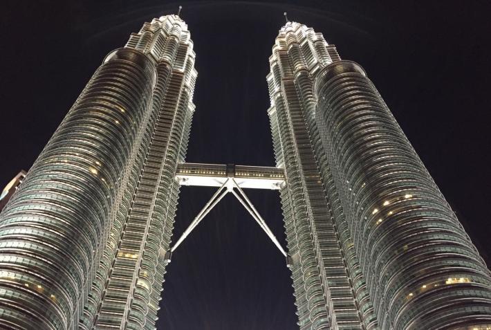 国家石油双子塔