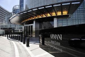 迪拜-【自由行】香港出发。塞舌尔(四季酒店)+迪拜(阿玛尼酒店)双国9天6晚<阿联酋航空>。等待确认