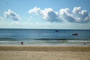 台山-【海滩·美食】台山2天*下川岛王府洲*含二正餐*直通车*住度假别墅