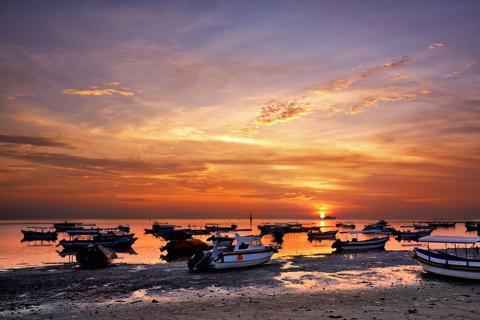 巴厘岛-【自由行】印尼巴厘岛5天*机票+酒店*ClubMed地中海俱乐部+华美达日落酒店*广州直航*等待确认<一价全包、狮航、2+2>