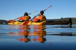 新西兰-【当地玩乐】新西兰陶朗加 罗托伊蒂湖皮划艇+温泉+萤火虫洞之旅(自驾前往).等待确认