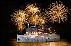 瑞典-【当地玩乐】瑞典 斯德哥尔摩 波罗的海跨年烟花之旅 (跨年晚餐+烟火+复古皇家蒸汽船).等待确认