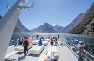 新西兰-【当地玩乐】新西兰 米尔福德峡湾生态一日游(蒂阿瑙往返:精品小团).等待确认