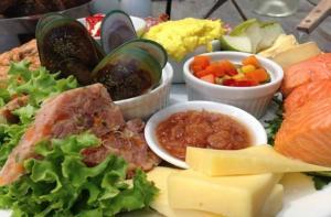 新西兰-【当地玩乐】新西兰瓦纳卡品酒经典一日游(含美味午餐).等待确认