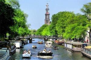 荷兰-【当地玩乐】荷兰 阿姆斯特丹  1小时运河游船+8选1自选景点门票.等待确认