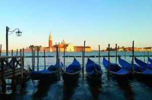 意大利-【当地玩乐】意大利 威尼斯 贡多拉泛舟运河体验+圣马可大教堂(含免排队门票).等待确认