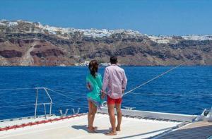 希腊-【当地玩乐】希腊 圣托里尼 Good Morning 出海环线(酒店接送 含浮潜和烧烤).等待确认