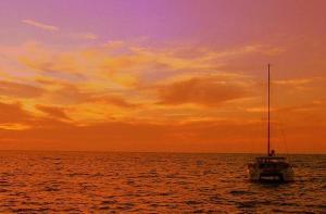 希腊-【当地玩乐】希腊 圣托里尼 海上日落环线(酒店接送 含浮潜和烧烤).等待确认