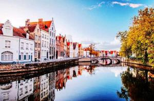 比利时-【当地玩乐】比利时最美古城 布鲁日一日游 (英文导游+巴黎往返)/自助游可选.等待确认