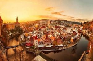 捷克-【当地玩乐】欧洲捷克中世纪小镇克鲁姆洛夫(CK小镇)一日游(含午餐 布拉格往返).等待确认