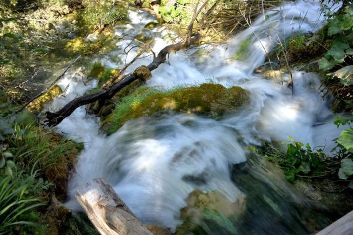 大瀑布下面的小瀑布(用了慢速摄影)