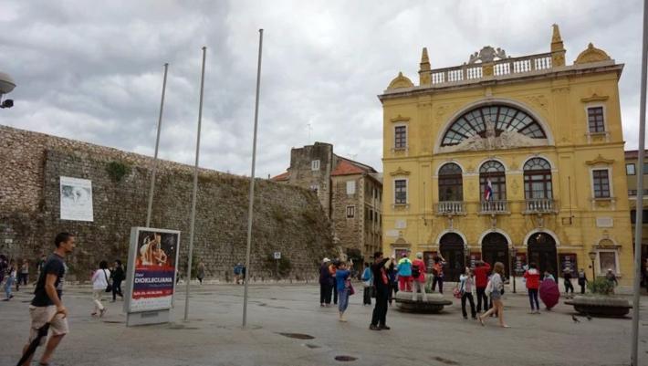 位于Gajo Bulat广场上的克罗地亚国家大剧院