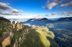 悉尼-【当地玩乐】悉尼蓝山自然生态一日游(三姊妹峰+蓝光萤火虫探秘).等待确认