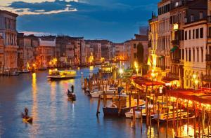 意大利-【当地玩乐】意大利 纯24K威尼斯 贡多拉泛舟运河半小时体验(含专业指导 多时间段可选).等待确认