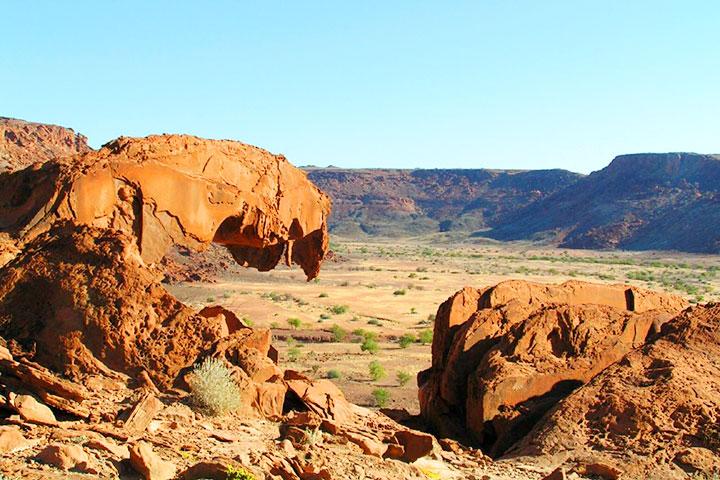 【尚·猎奇】纳米比亚12天*探秘之旅*苏丝斯黎红沙漠*广州往返<埃托沙国家公园动物追踪,颓废方丹寻迹史前岩画,辛巴红泥人部落,动物保护基地喂食体验>