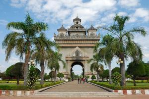 【典·博览】老挝万象、南鹅湖、万荣5天*经典*奇遇之旅*广州往返<佛山自组>