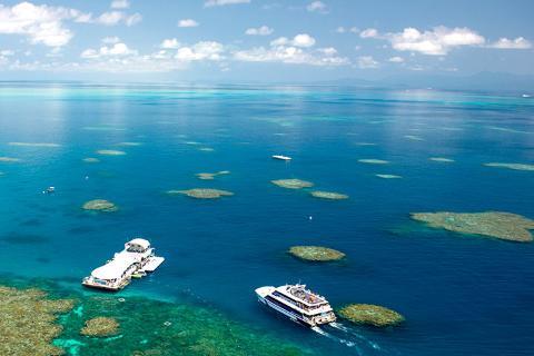 澳洲7天·魅力大堡礁·奇趣捉蟹乐<水陆车探热带雨林.野生动物园>
