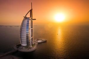 迪拜-【跟团游】阿联酋迪拜5/6天*帆船酒店557*轻奢<帆船酒店170平方米复式海景套房>