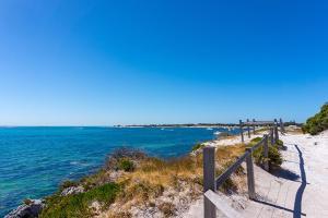 【颂·深度】西澳大利亚8天*隐世探奇*醉美粉红湖*广州往返<抓龙虾,澳式挥杆乐,罗特尼斯岛一日游>