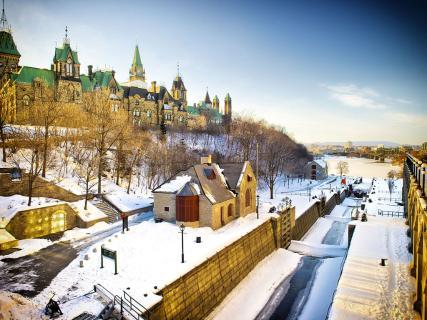 【尚·博览】加拿大东岸10天*费尔蒙芳缇娜城堡酒店*枫叶大道*汤卜朗度假村<特色枫糖餐,法语古城魁北克,尼亚加拉大瀑布>