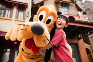 主題樂園-迪士尼樂園酒店花園房+2大2小上海迪士尼1日門票(等待確認)