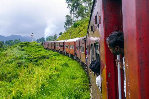 斯里兰卡6天*旅拍*文化古城<吉普车游名乃利亚公园,狮子岩,佛牙寺,海边火车>