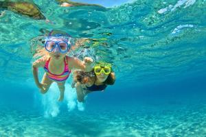 巴厘岛-【颂·休闲】巴厘岛、龙目岛7天*豪叹*探秘之旅*广州往返<海边超豪华酒店,GILI3岛浮潜,林萨庙,情人崖>