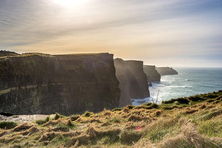 【尚·深度】爱尔兰10天*翡翠绿岛*莫赫悬崖*巨人大堤*凯里之环*五星海航双直航往返<泰坦尼克号博物馆,健力士酒厂,IRL>