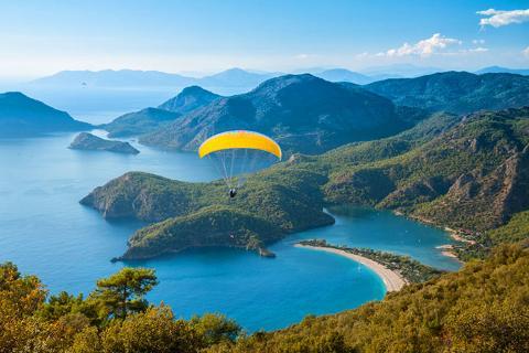 土耳其四飞10天.滑翔伞胜地费特希耶.阿拉恰特童话小镇.卡帕多奇亚洞穴酒店