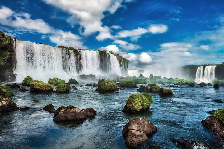 【尚·深度】南美五国21天*巴西、阿根廷、秘鲁、智利、乌拉圭*蒂格蕾三角洲游船*马丘比丘*亚马逊丛林*伊瓜苏大瀑布<10人起行,大冰川游船,纳斯卡地画乘机观光,瓦卡奇纳小镇>