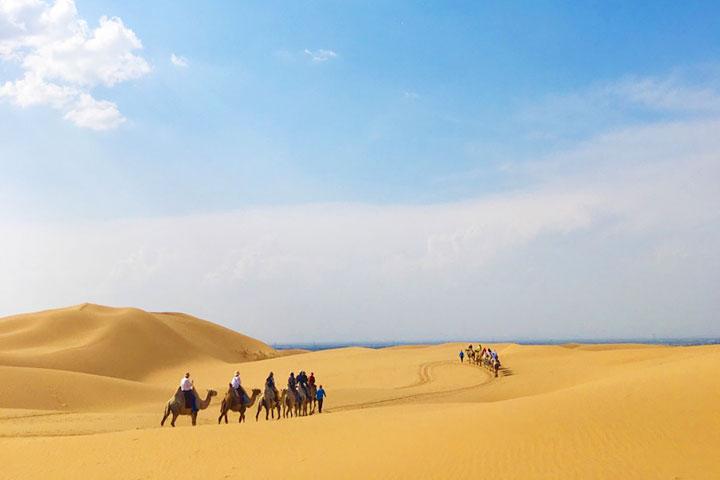 【誉·深度】呼和浩特、鄂尔多斯、双飞4天*敕勒川草原广之旅牧场*响沙湾*滑雪 <全程五星酒店,五星自助晚餐,骑骆驼>