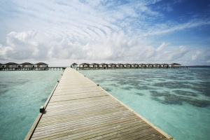 【自由行】马尔代夫(鲁滨逊努努岛)6天*机+酒*吉林往返*等待确认<一价全包、中文服务、亲子、蜜月、内陆飞机+快艇或水上飞机上岛>