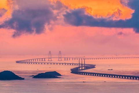 【休闲】香港2天*港珠澳大桥*尝鲜体验*香港东涌东荟城*乐购之旅*去程交通