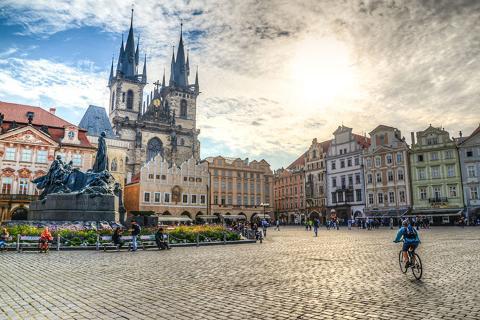 【尚·深度】东欧奥捷波匈10天*双直航*布拉格、维也纳双城连住*哈尔施塔特湖区*中世纪CK小镇自由活动*泰尔奇水城堡<全程豪华酒店,双官导讲解布拉格城堡及美泉宫,捷克风味餐,ELH>