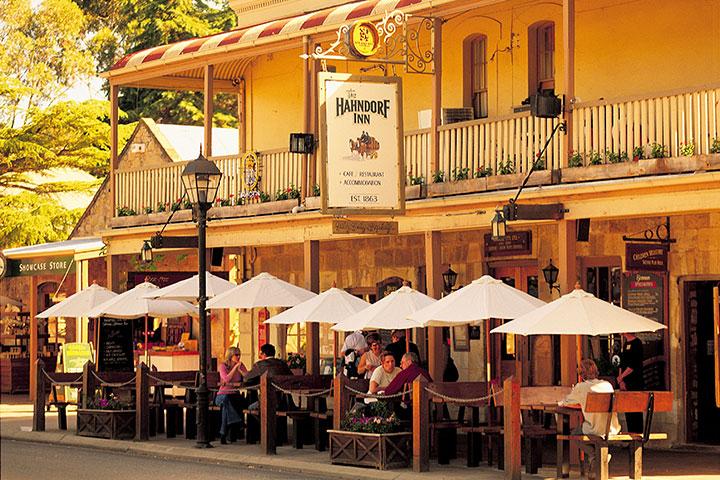 【颂·慢享】南澳大利亚(阿德莱德)7天*粉色天空之境*奔富调酒体验*10人精致小团*纯玩<芭萝莎城堡玫瑰园,百年班格瑞牧场,品科芬湾生蚝>