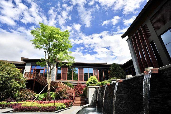 贵阳安纳塔拉度假酒店-豪华园景露台房+2大1小早餐+每人200元水疗
