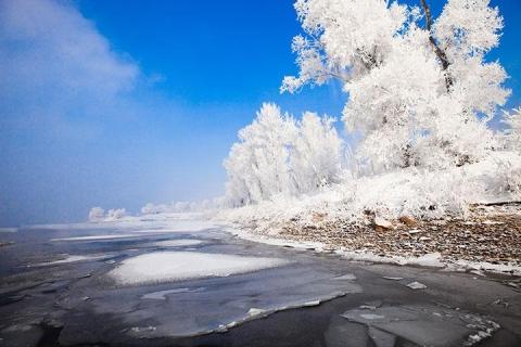 【典·深度】东北、雪乡、哈尔滨、吉林、沈阳、双飞6天*万科松花湖度假区*全天不限时滑雪<入住2晚万科,冰雪奇缘,深度滑雪>